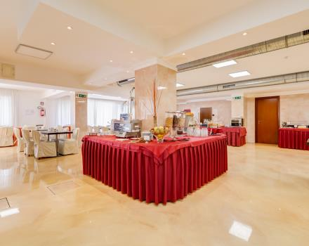 The breakfast room with the rich buffet od the Hotel Rocca: choose us for your stay in Cassino