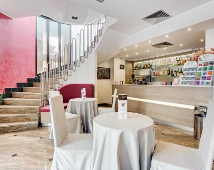 Enjoy a drink in the bar at the BW Hotel Rocca, Cassino 4 star
