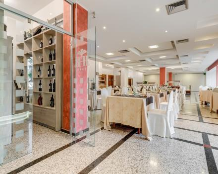 The elegant restaurant of the 4 star Best Western Hotel Rocca Cassino